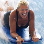 Ilona Felicjańska pozuje w kostiumie kąpielowym