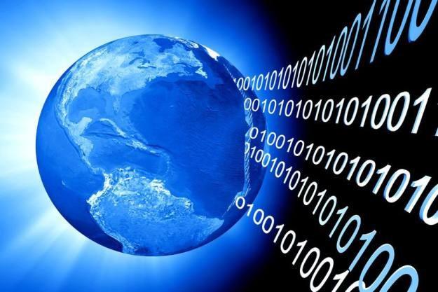 Ilości danych, które może przenieść kabel światłowodowy, są spore, ale nie są nieograniczone /123RF/PICSEL