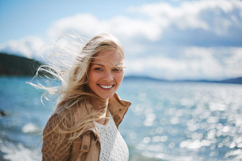 Im rzadziej będziesz farbować włosy, tym będą w lepszej kondycji /123RF/PICSEL