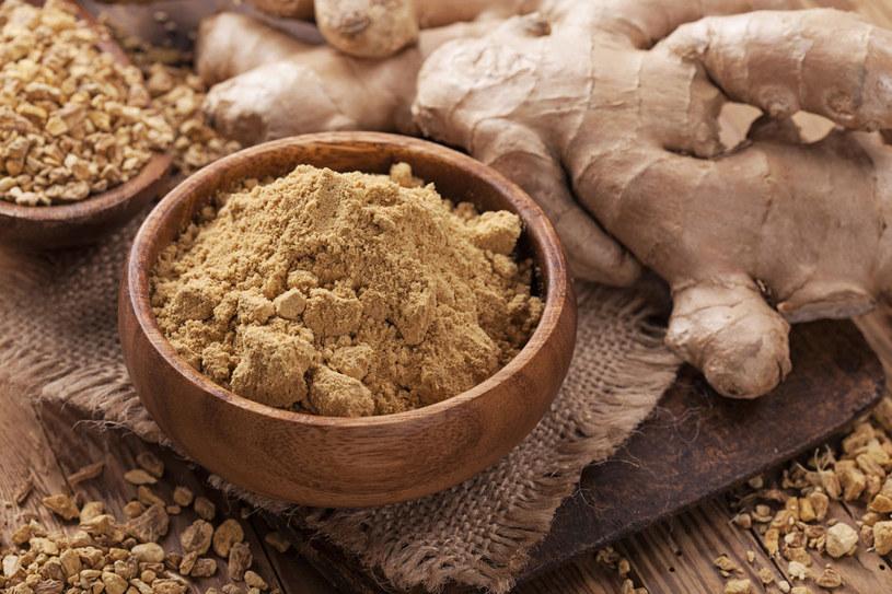 Imbir to jedna z najstarszych przypraw świata. Znana ze swoich wszechstronnych właściwości doskonale nadaje się do kuchni, celów leczniczych i kosmetycznych /123RF/PICSEL