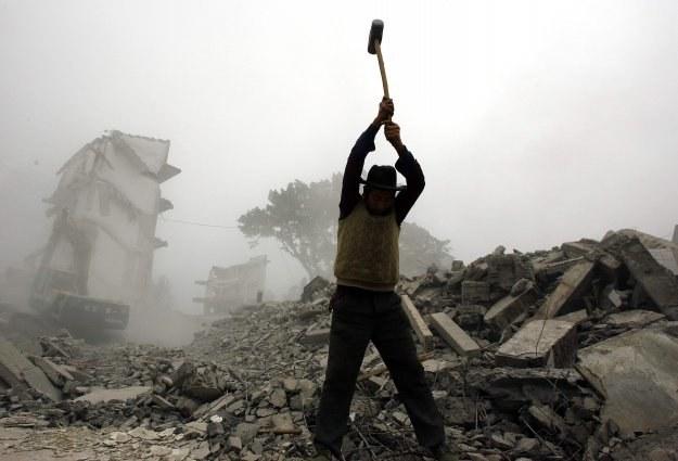 Imigranci często są gotowi zaakceptować każde warunki pracy, aby przeżyć /AFP