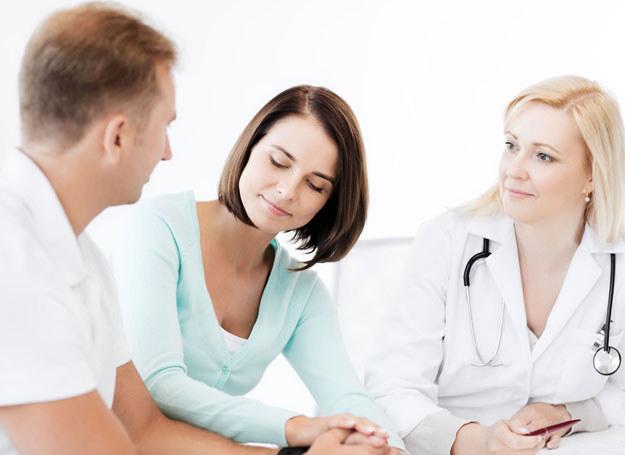 Implant zabezpiecza przed ciążą przez 3 lata. Potem należy go wyjąć i wymienić na nowy /123RF/PICSEL