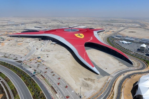 Imponujące Ferrari World /