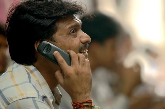 Indie stosują dość nietypowe metody walki z komórkowym spamem /AFP