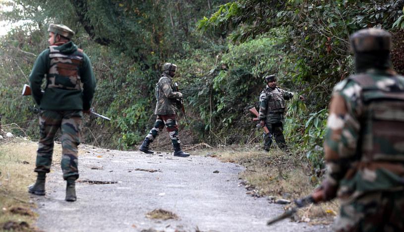 Indyjskie wojska w Kaszmirze /STR /AFP