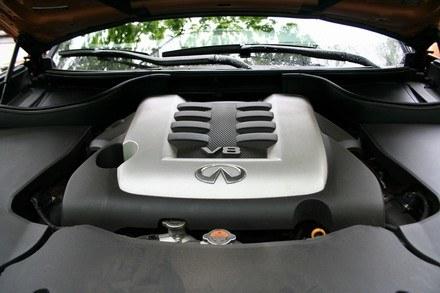 Infiniti FX50 - silnik V8 /INTERIA.PL