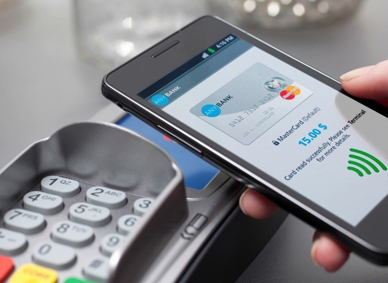ING Bank Śląski wprowadza płatności smartfonem /materiały prasowe