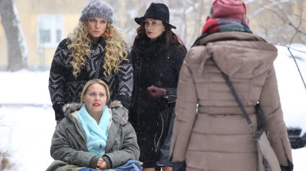 Inga (Małgorzata Socha) bardzo przeżyje, że przyjaciółki oskarżyły ją o romans z Pawłem (Bartek Kasprzykowski). Nie ustanie jednak w próbach przekonania ich o swojej niewinności. /Polsat