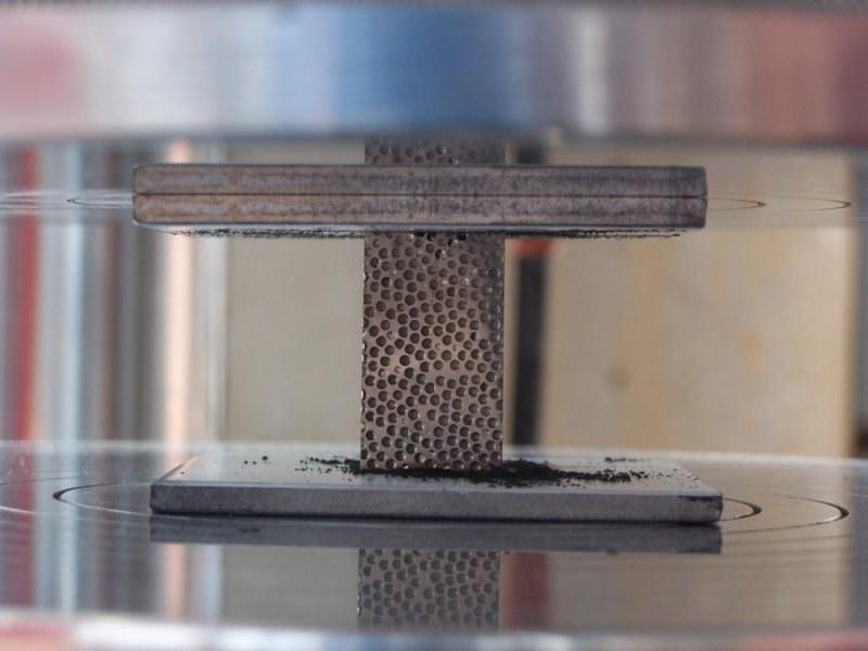 Innowacyjna kompozytowa pianka metalowa ochroni przed różnymi rodzajami promieniowania /materiały prasowe