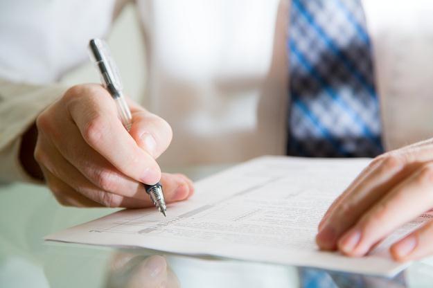 Inspektorzy pracy apelują o ostrożność przed podpisywaniem weksli in blanco /© Panthermedia