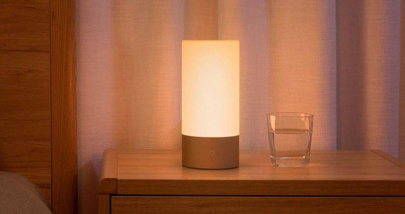 Inteligentna lampka nocna RGB Mi Bedside Lamp /materiały prasowe