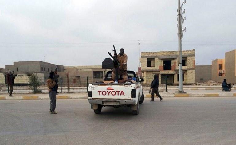 Intensywne walki sunnitów z siłami rządowymi w Iraku trwają od tygodnia /AFP
