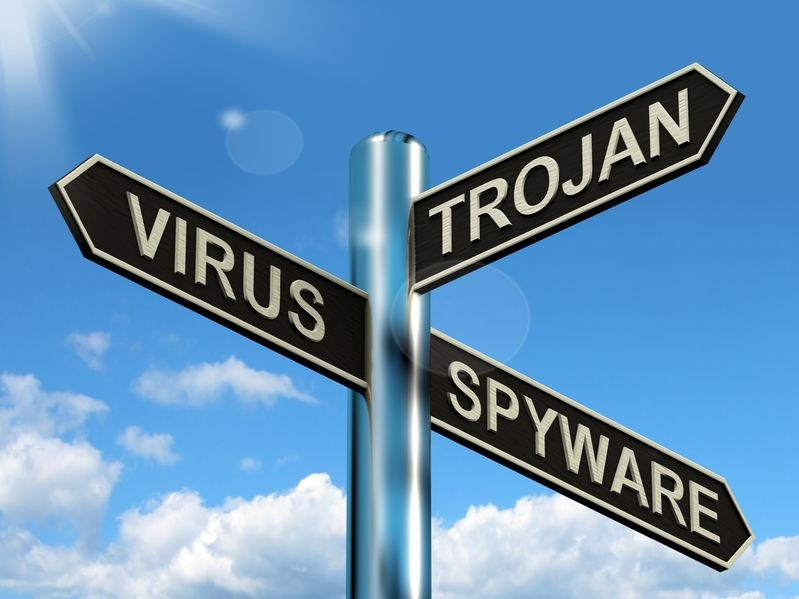 Internet jest pełny różnych niebezpieczeństw. Trzeba być bardzo ostrożnym! /©123RF/PICSEL