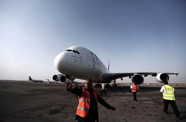 Internet na pokładach Emirates /AFP