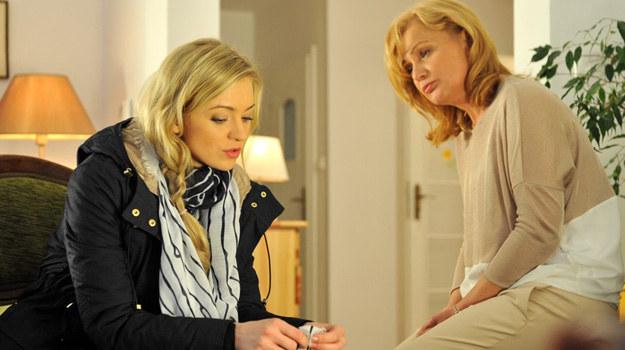 Intuicja podpowiada Dorocie, że jej córka znalazła się w poważnych tarapatach! /Agencja W. Impact