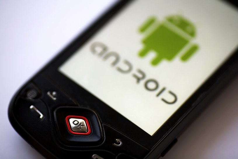 """iOS radzi sobie doskonale, ale Android wygrywa """"skalą"""" /©123RF/PICSEL"""