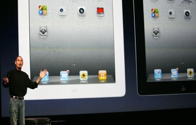 iPad 2 - bez wątpienia przyczyni się on wzrostu sprzedaży tabletów /AFP