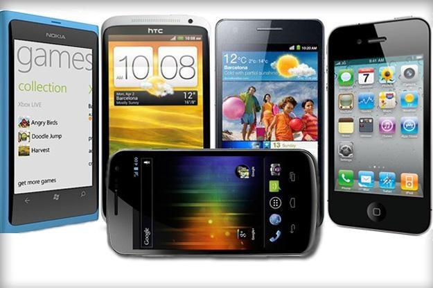 iPhone 4S, One X, Lumia 800, Galaxy Nexus i Galaxy S II - który najlepszy? /materiały prasowe
