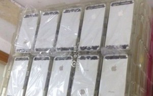 iPhone 5S na zdjęciach. Źródła potwierdzają NFC i czytnik linii papilarnych