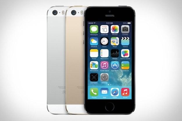 iPhone 5s - najlepszy smartfon 2013 roku? Telefon otrzymaliśmy do testów dzięki sieci Play /materiały prasowe