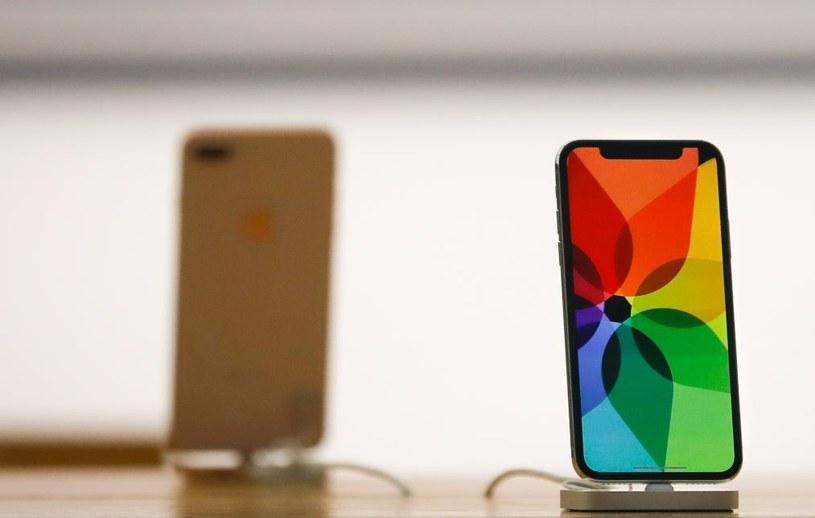 iPhone X to w tej chwili najdroższy telefon dostępny u operatorów /AFP