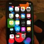 iPhone X z kolejnymi problemami. Chodzi o ekran i głośnik