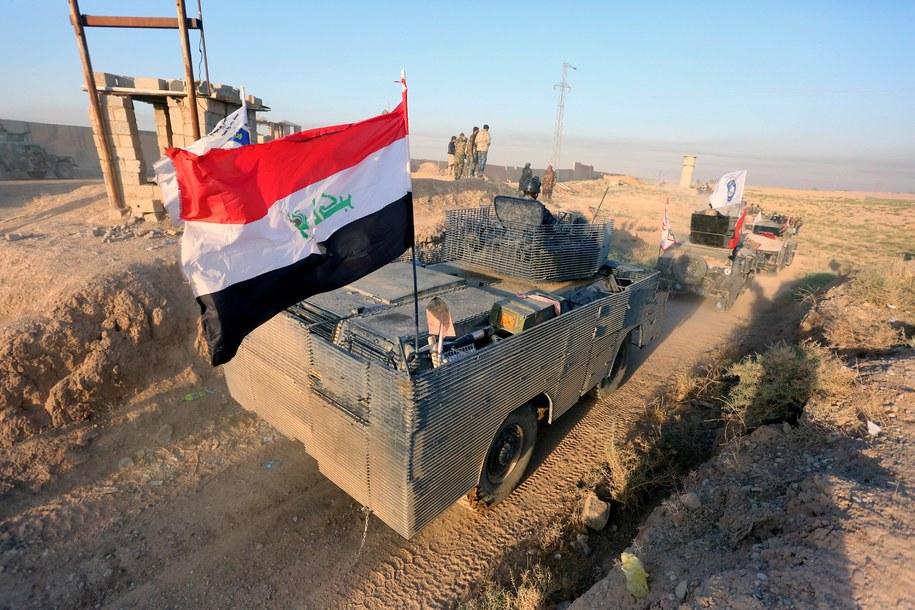 Iraccy żołnierze w pobliżu Kirkuku /MURTAJA LATEEF /PAP/EPA