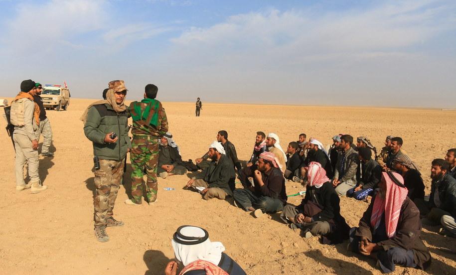 Iracka ofensywa na Mosul, który jest bastionem IS w Iraku, rozpoczęła się trzy tygodnie temu /KHIDER ABBAS /PAP/EPA