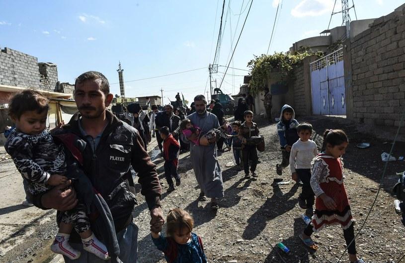 Irackie siły rządowe odbijają kolejne miejscowości z rąk islamistów /AFP