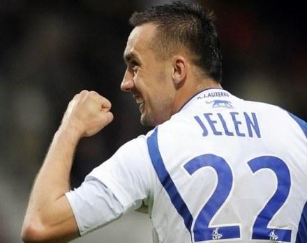 Ireneusz Jeleń chętnie zagrałby pod koniec kariery w ataku Górnika z Lukasem Podolskim /AFP
