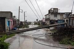 Irma z wolna opuszcza wybrzeże Kuby