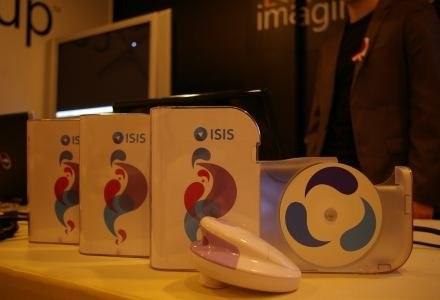 """ISIS w prowizorycznych pudełkach """"po Windows Vista"""". /INTERIA.PL"""