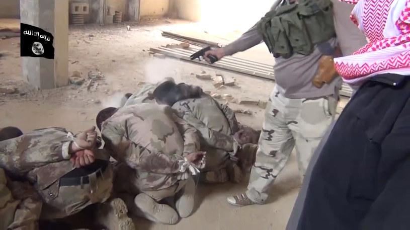 Islamiści  stosują bardzo okrutne metody /AFP