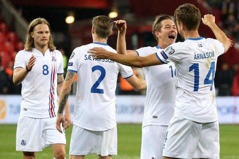 Islandczycy cieszą się po pokonaniu Turcji /AFP