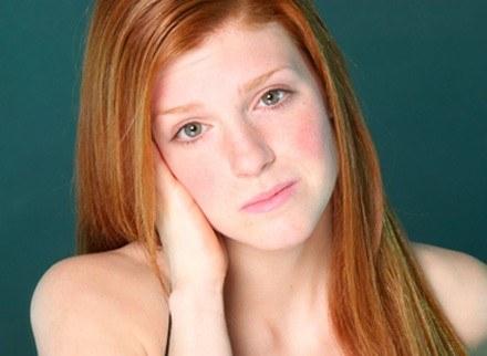 Istotą pielęgnacji skóry nadwrażliwej jest jej uspokojenie /ThetaXstock