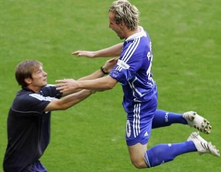 Ivan Rakitić właśnie zdobył bramkę dla Schalke /AFP