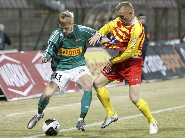 Ivans Lukjanovs (z lewej) strzelił dla Lechii gola na wagę awansu /PAP