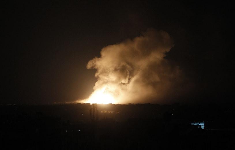 Izrael kontynuuje naloty na Strefę Gazy /AFP