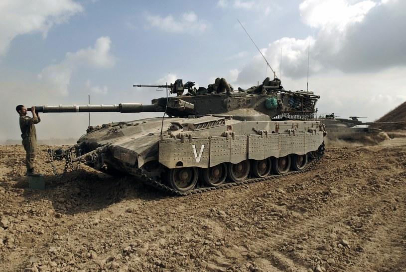 Izraelczycy i Palestyńczycy wznowili  rozmowy w sprawie zawieszenia broni. /AFP