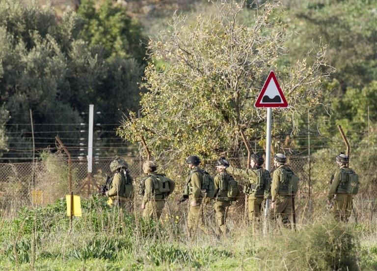 Izraelscy żołnierze po ataku Hezbollah /JACK GUEZ /AFP