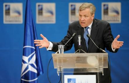 Jaap de Hoop Scheffer złożył wizytę w Kijowie /AFP