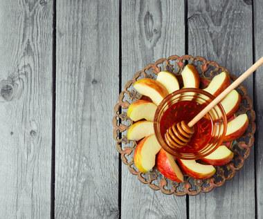 Jabłkowo-miodowy peeling do twarzy