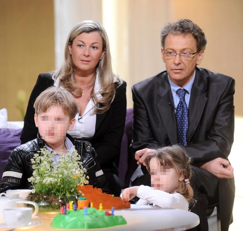 Jacek Borkowski ze zmarłą żoną i dziećmi, 2011 r. /Radosław Nawrocki /Agencja FORUM