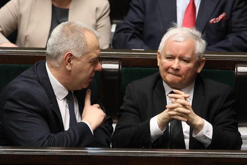 Jacek Sasin i Jarosław Kaczyński /Stanisław Kowalczuk /East News