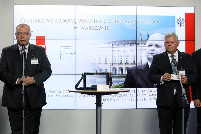 Jacek Sasin i Marek Suski /Tomasz Gzell /PAP
