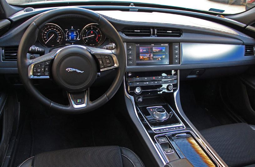 Jaguar XF 3.0 TDV6 RWD Auto R-Sport /INTERIA.PL