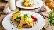 Jajka po benedyktyńsku – pomysł na królewskie śniadanie