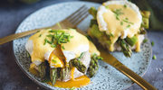 Jajka po florentyńsku ze szparagami