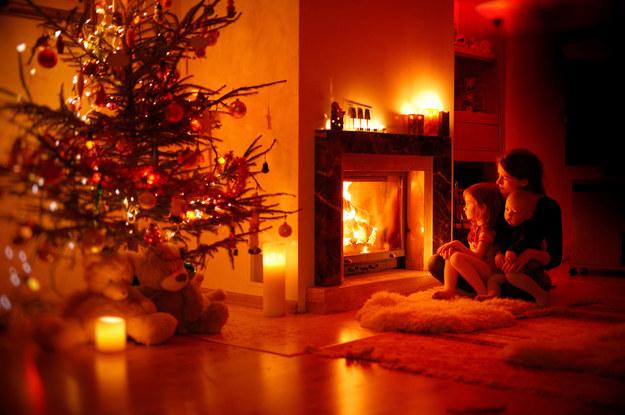Jak długo trzeba pracować na sfinansowanie świąt? /123RF/PICSEL