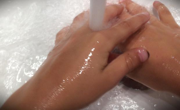 Jak dobrze myć ręce? Zaskakujące wyniki badań